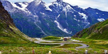 Didysis Alpių kelias arba dar vadinamas Grosgloknerio Alpių keliu yra ko gero gražiausias maršrutas