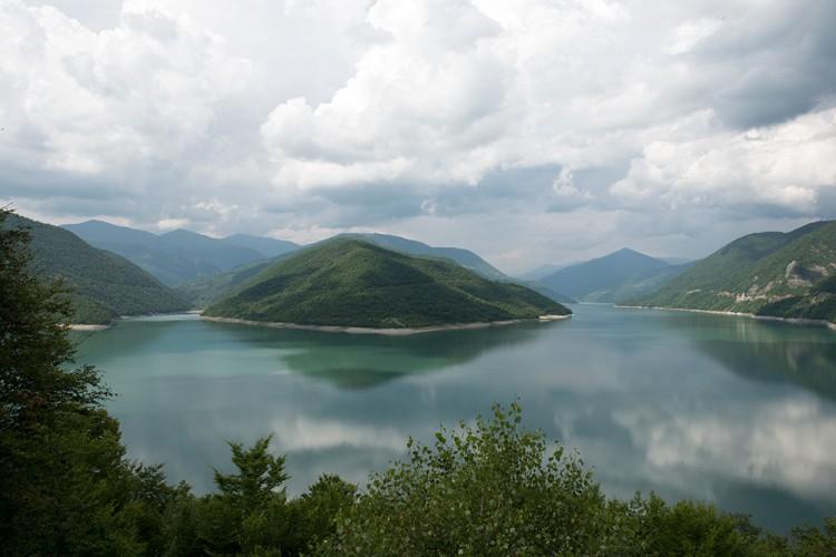Sakartvelo kalnai ir ežeras