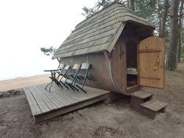 Poilsis prie jūros Latvijoje.